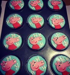 "21 curtidas, 2 comentários - Sweet Juliet (@sweetjulietbolos) no Instagram: ""Cupcakes Peppa Pig 🐷  #docesdecorados #festainfantil #cupcakes #peppapig #peppapigparty…"""