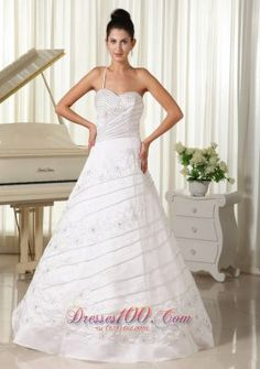 A-line is an attitude, a-line is a tradition, a-line wedding dress will never go out of date. Fancy Wedding Dresses, Rental Wedding Dresses, Size 12 Wedding Dress, Wedding Dress 2013, White Bridesmaid Dresses, Affordable Wedding Dresses, Sweetheart Wedding Dress, Bridal Dresses, Dama Dresses