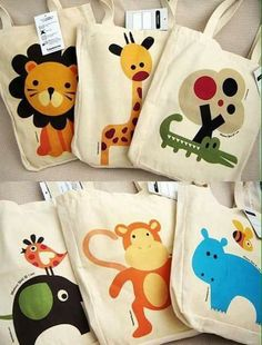 Bolsas de tela by kara Felt Crafts, Diy And Crafts, Sewing Crafts, Sewing Projects, Cool Gifts For Kids, Safari Party, Jute Bags, Patchwork Bags, Fabric Bags