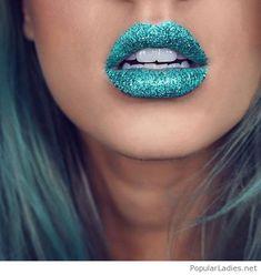 My lovely blue glitter lips