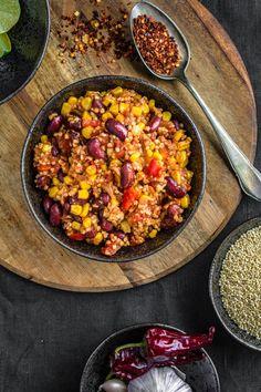 Kasza jaglana po meksykańsku (7 składników) - Wilkuchnia Veggie Recipes, Healthy Dinner Recipes, Diet Recipes, Vegetarian Recipes, Cooking Recipes, Veggie Meals, Food To Go, Good Food, Food And Drink