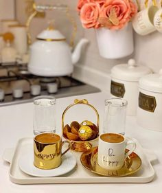 Coin Café, Girly Images, Coffee Dessert, Fun Cup, Turkish Coffee, Coffee Love, Etiquette, Photography Poses, Sweet Tooth