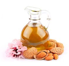 Almond oil is great as a beauty treatment. Almond oil is one of the classic oils used to moisturize, nourish and soften dry or very dry skin. Oil For Dry Skin, Oils For Skin, Natural Hair Care, Natural Hair Styles, Natural Glow, Natural Cures, Best Body Oil, Vitamin B Komplex, Diluting Essential Oils