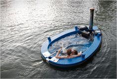 Hottug, the Jacuzzi Boat