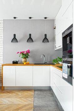 Nowoczesna kuchnia w szarościach. Kitchen Flooring, Kitchen Countertops, Kitchen Cabinets, Modern Kitchen Design, Interior Design Kitchen, Victoria House, Bright Kitchens, Diy Bathroom Remodel, Living Room Grey