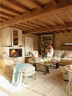 Designing a stylish living room interior requires a little creativity and some wonderful furnishings and decor brimming with character and personality. Home And Living, Living Room, Interior Architecture, Interior Design, Italian Home, Stone Houses, Modern Rustic, My Dream Home, Sweet Home