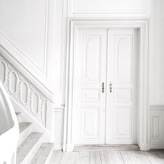 Decorating Your Home in Shades of White White Feed, All White, White Light, Aesthetic Colors, White Aesthetic, Color Inspiration, Interior Inspiration, Shades Of White, White Space
