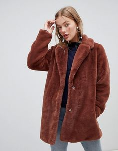 New Look faux fur coat in brown at ASOS. Shop this season's must haves with multiple delivery and return options (Ts&Cs apply). Winter Coats Women, Coats For Women, Jackets For Women, Women's Jackets, Pop Fashion, Winter Fashion, Womens Fashion, Asos, Fur Coat Outfit