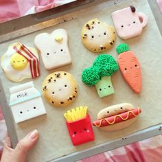 #kawaii #milk #cookie #tea #egg #toast #bacon #chips #hotdog #broccoli #carrot