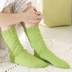OHJE: Perhossukat Knitting Socks, Knit Socks, Warm Socks, Yarn Colors, One Color, Colour, Leg Warmers, Mittens, Tatting