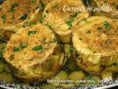 Carciofi ripieni in padella - Stuffed Artichokes in skillet Italian Snacks, Italian Recipes, Pizza E Pasta, Healthy Cooking, Cooking Recipes, Ayurvedic Recipes, Italian Vegetables, Light In, Cooking Light