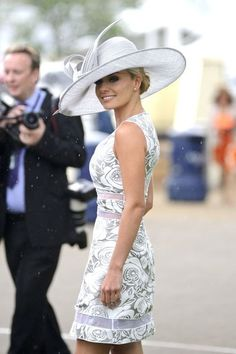 Royal Ascot Hats for the Jubilee! Which is YOUR Fave? Good outfit for Derby, as well. Kentucky Derby Outfit, Derby Attire, Kentucky Derby Fashion, Derby Outfits, Ascot Outfits, Lady Like, Royal Ascot Hats, Race Wear, Fancy Hats