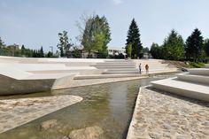 01-enota-promenada-05-river-amphitheatre « Landscape Architecture Works | Landezine