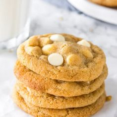 White chocolate chip cookies are soft, chewy, and filled with delicious white chocolate in every bite. The perfect cookie recipe for white chocolate lovers Tasty Chocolate Chip Cookies, White Chocolate Recipes, Chocolate Chip Pancakes, White Chocolate Chips, Yummy Cookies, Cookie Desserts, Cookie Recipes, Peanut Butter Frosting Easy, Crazy Cookies
