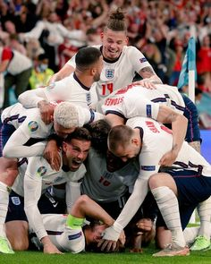 Arsenal Wallpapers, 3 Lions, John Stones, Newspaper Cover, England Football, Leeds United, Coming Home, Victorious, Soccer