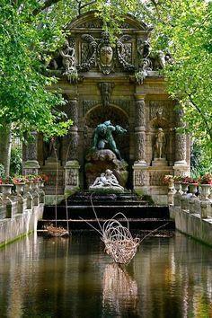 Jardins du Palais du Luxemburg, Paris, France Everyone loves to look round a beautiful garden - this is a must do Places Around The World, Oh The Places You'll Go, Places To Travel, Places To Visit, Around The Worlds, Parks, Paris Travel, France Travel, Wonderful Places