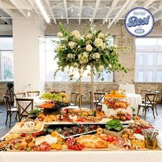 Grazing Table Gallery – Table & Thyme Charcuterie Meats, Charcuterie Recipes, Charcuterie Board, Breakfast Catering, New Food Trends, Mini Crab Cakes, Wedding Snacks, Grazing Tables, Party Food Platters