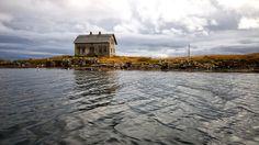 Old abandoned house, Røst, Lofoten, Norway. Old Abandoned Houses, Lofoten, Norway, Places Ive Been, Buildings, Nostalgia, Landscapes, Cabin, House Styles