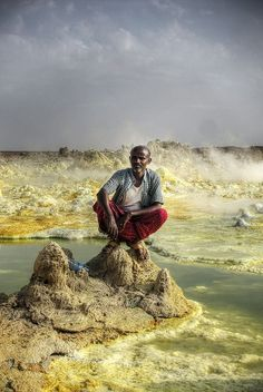 Dallol Volcanic Crater - Danakil Depression Part 02 - Travelationship Ethiopia Travel, Africa Travel, People Around The World, Around The Worlds, All About Africa, Horn Of Africa, Abyssinian, Macau, East Africa