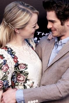 Emma Stone and Andrew Garfield. they are just the cutest Young Couples, Cute Couples, Emma Stone Gwen Stacy, Pretty People, Beautiful People, Best Avenger, Andrew Garfield, Love Actually, Vintage Soul