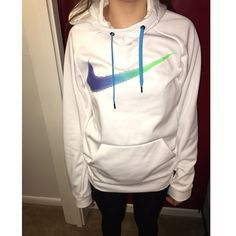 Woman's pullover Nike sweatshirt High neck, no imperfections at all! Never worn, only for this picture. Nike Tops Sweatshirts & Hoodies