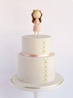 First communion cake Fondant Cake Designs, Fondant Toppers, Fondant Cakes, Cupcake Cakes, Pretty Cakes, Cute Cakes, Beautiful Cakes, Fondant Figures, First Communion Cakes