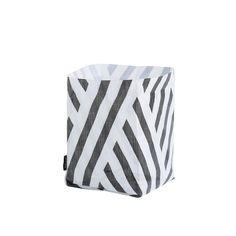 OYOY Hokuspokus is a storage bag in a graphic print in printed polyester