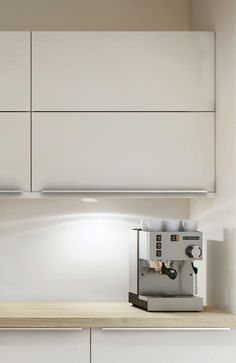 Marbodal Arkitekt plus kritvit väggskåp