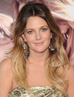 Drew Barrymore Lange Layered Wellen Frisuren Drew Barrymore Lange Layered Wellen Frisuren - http://www.2017frisuren.com/drew-barrymore-lange-layered-wellen-frisuren/