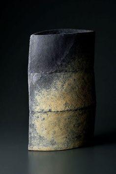 Ken-Mihara-ceramic-vase