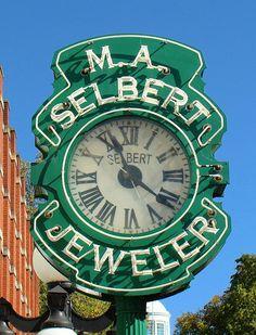 Selbert Jeweler Neon Clock - Frankfort, KY