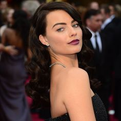 Wow! Margot Robbie Debuts a Major Hair Change — Vote on It