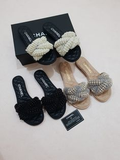 Cute Slippers, Chanel Slippers, Bridal Jewellery Inspiration, Chanel Brand, Zapatos Shoes, Mode Kpop, Couple Outfits, Fashion Sandals, Luxury Shoes