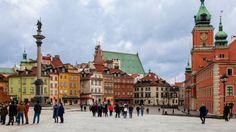 Варшава несправедливо обділена увагою мандрівників. Зруйнована під час Другої світової і відбудована в радянську епоху, сьогодні вона старанно намагається повернути колишню велич і славу. Як дістатися Варшавський аеропорт імені Фредеріка Шопена знаходиться �
