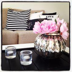 Beige, black & white colours for living room