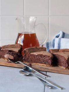 Τσίζκεϊκ πραλίνας Greek Desserts, Greek Recipes, Desert Recipes, Dessert Party, Party Desserts, Cake Cookies, Cupcake Cakes, Sweets Recipes, Cooking Recipes