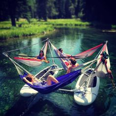 This Hammock Boat Lets You Relax In Up To 4 Hammocks While Floating On a Lake or. - This Hammock Boat Lets You Relax In Up To 4 Hammocks While Floating On a Lake or River - Summer Dream, Summer Fun, Summer Things, Summer Days, Astuces Camping-car, Sup Stand Up Paddle, Kayak Paddle, Paris 3, Snorkel