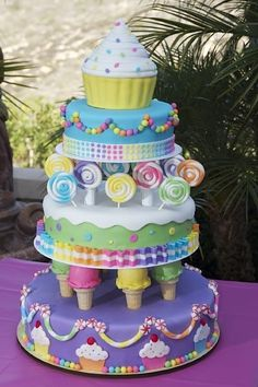 unbelievable cakes   UNBELIEVABLE cake (ice cream cone pillars!!) is made by KayLynn Cakes ...
