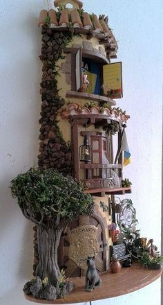 Risultati immagini per tejas decoradas en relieve Clay Houses, Ceramic Houses, Miniature Houses, Stone Houses, Tile Crafts, Clay Crafts, Hobbies And Crafts, Diy And Crafts, Vitrine Miniature