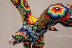 Huichol Art  http://3.bp.blogspot.com/-6KarmA3terA/UCQ_bgi1QkI/AAAAAAAAB8c/MCfX_FgLQ-U/s1600/vancouverhuicholart2012_08_07_5.JPG