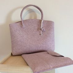 OLD PRICE euro 129,00. Case for MacBook Pro and wool felt bag, designer housing, bag work, felting wool