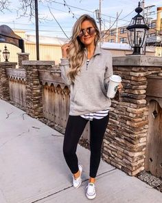 37 Casual and Warm Outfits Accompany You through The Fall outfits , wearing style, autumn outfits, Source by warm outfits casual Casual Leggings Outfit, Outfits Leggins, Fall Leggings, Yoga Pants Outfit, Summer Leggings Outfits, Yoga Outfits, Relaxed Outfit, Workout Outfits, Mode Yoga