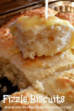 Fizzle Biscuits Recipe ~ These biscuits are made with a lemon lime soda. They are the lightest fluffiest biscuits ever and so easy to make. YUMMY! Bisquick Recipes, Bread Recipes, Cooking Recipes, Diet Recipes, Biscuit Bread, Biscuit Recipe, Biscuit Mix, Sprite Biscuits, Sauces