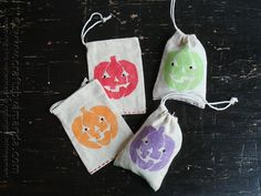 With all of the parties and get-togethers for Halloween, there is bound to be a reason to make these adorable jack o'lantern treat bags that caught my eye over on the M&T Spotlight page! I think they would make the perfect party... Continue Reading →