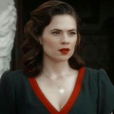 Hayley Atwell Peggy Carter, Hailey Atwell, Hayley Elizabeth Atwell, And Peggy, Girl With Curves, 1940s Fashion, Wedding Hairstyles, Retro Hairstyles, Vintage Beauty