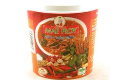 Amazon.com : Mae Ploy Thai Green Curry Paste - 14 oz jar : Curry Sauces : Grocery & Gourmet Food