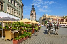 Horse Carriage in Cracow, Poland jigsaw puzzle in Street View puzzles on TheJigsawPuzzles.com