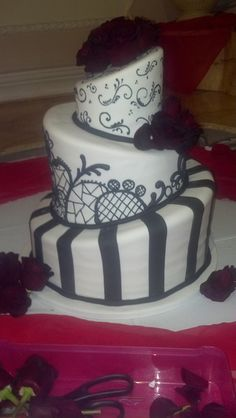 black and white topsy turvy wedding cake 1000 images about topsy turvy cakes on cake 11843