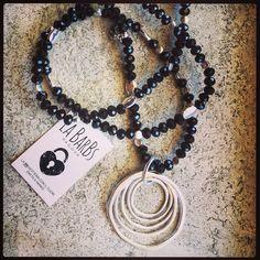 Ciondolo Cerchi Vita  NUOVO montato su perle cristallo nere #labarbs #bigiotteria #padova #fashion #fashionwoman info@labarbs.it FB La BarBs_padova