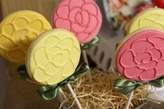 Sweet treats' cookie pops